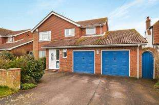 4 Bedrooms Detached House for sale in Coast Drive, St Mary's Bay, Romney Marsh, Kent