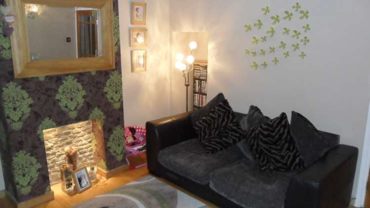 3 Bedrooms Terraced House for rent in Malling Road Snodland ME6