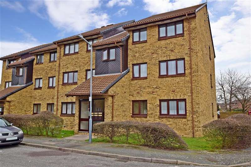 2 Bedrooms Apartment Flat for sale in Crystal Way, Dagenham, Essex