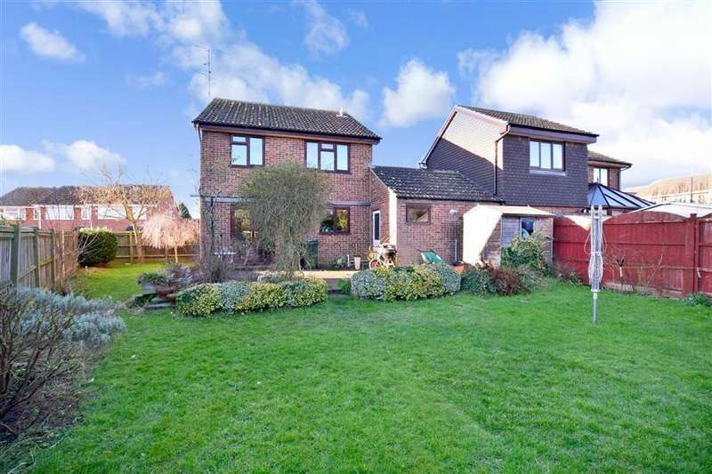 4 Bedrooms Detached House for sale in Thornlea, Ashford, Kent