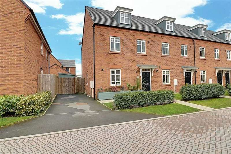 3 Bedrooms Town House for sale in Waterlily Grove, Stapeley, Nantwich