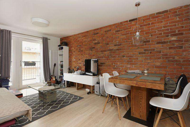 1 Bedroom Apartment Flat for sale in Fairthorn Road, Charlton