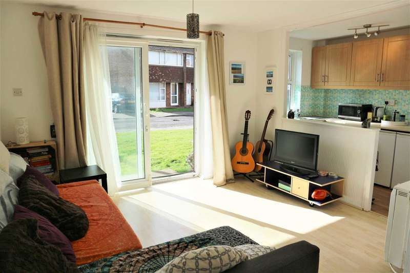 1 Bedroom Apartment Flat for sale in Rhodaus Close