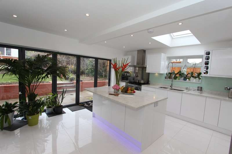 6 Bedrooms Semi Detached House for sale in Cyprus Gardens, London, London, N3