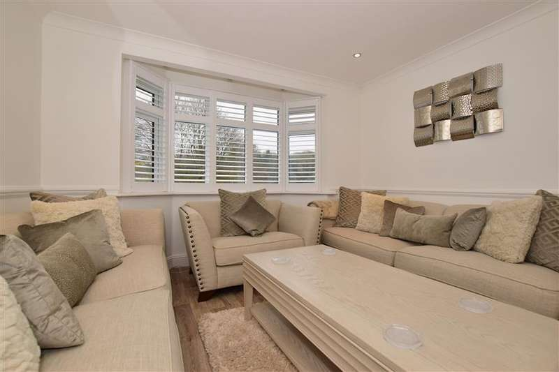 5 Bedrooms Terraced House for sale in Lakers Rise, Banstead, Surrey