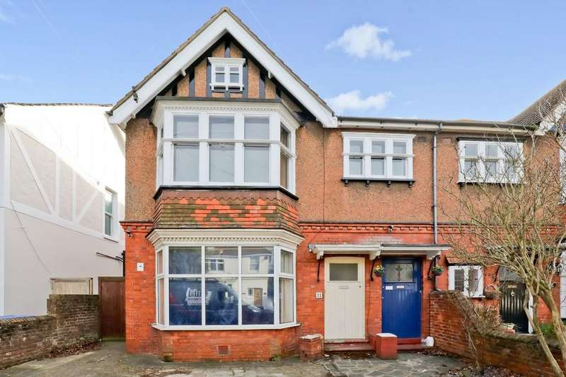 3 Bedrooms Maisonette Flat for sale in Cowper Road, Worthing BN11 4PD