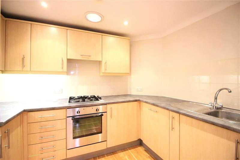 2 Bedrooms Flat for rent in Century House, 98-100 High Street, Banstead, Surrey, SM7