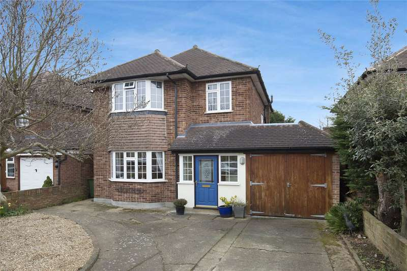 3 Bedrooms Detached House for sale in Southfields, East Molesey, Surrey, KT8