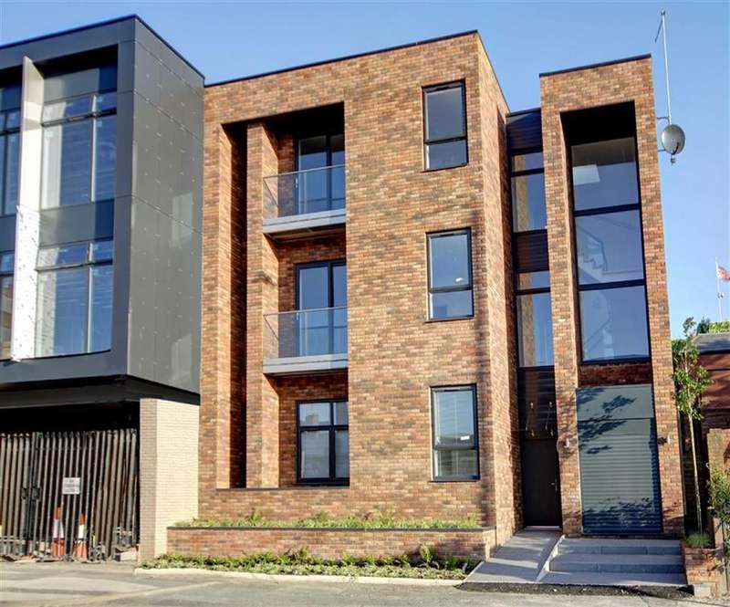 2 Bedrooms Apartment Flat for sale in Woodlands Road, Altincham