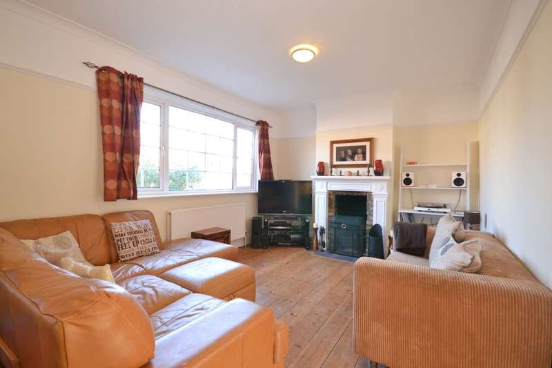 3 Bedrooms Semi Detached Bungalow for sale in East Cowes, Isle Of Wight