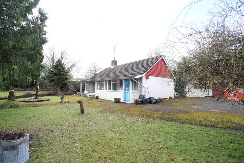 2 Bedrooms Detached Bungalow for sale in Bondenie, Glascoed, PONTYPOOL, NP4