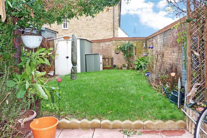 3 Bedrooms Semi Detached House for sale in Elm Tree Avenue, , Iwade Village, Sittingbourne, Kent