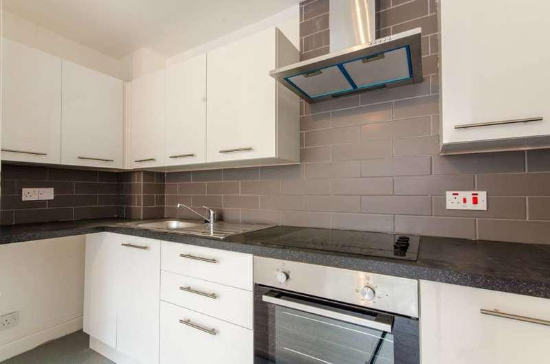 Studio Flat for sale in Boleyn Way, High Barnet, EN5