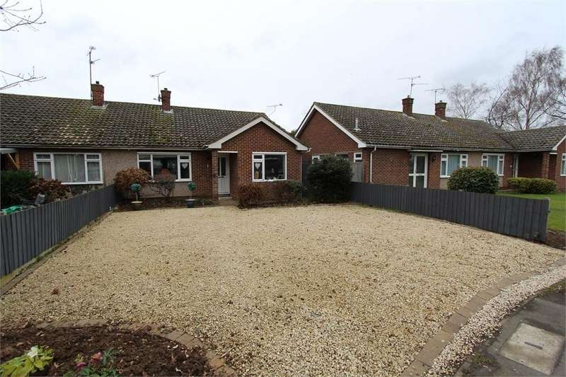 2 Bedrooms Semi Detached Bungalow for sale in Lawn Lane, Chelmsford, Essex