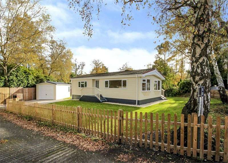 2 Bedrooms Bungalow for sale in The Plateau, Warfield Park, Berkshire, RG42