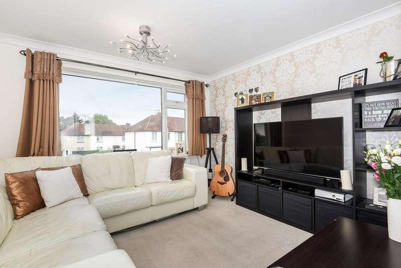2 Bedrooms Maisonette Flat for sale in Larkfield Road, Larkfield
