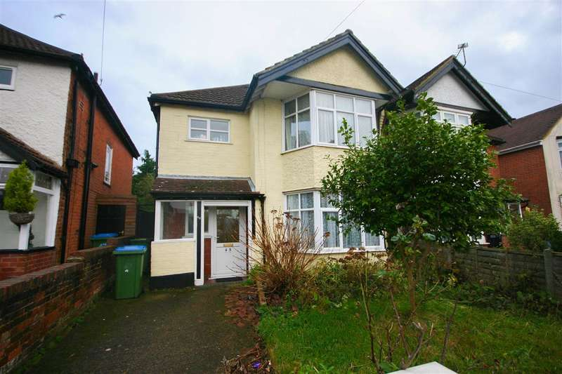 3 Bedrooms Semi Detached House for sale in Lumsden Avenue, Southampton