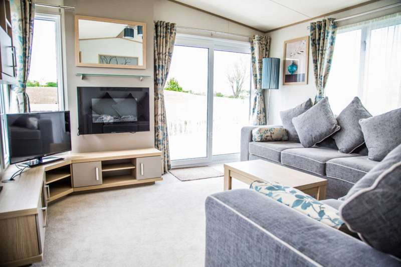 2 Bedrooms Mobile Home for sale in New Road, New Quay, South Wales