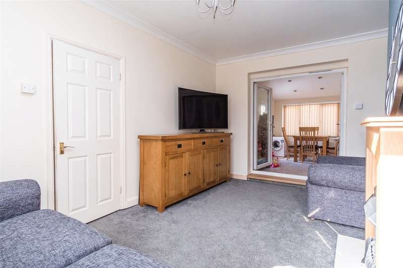 3 Bedrooms Semi Detached House for sale in Hartley Brook Avenue, Shiregreen, Sheffield, S5