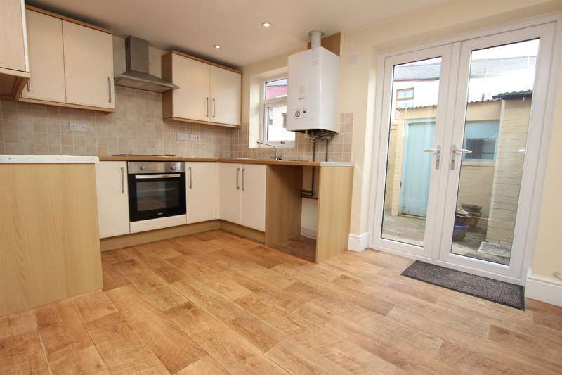 2 Bedrooms Terraced House for sale in Sandon Street, Darwen, BB3 3DB
