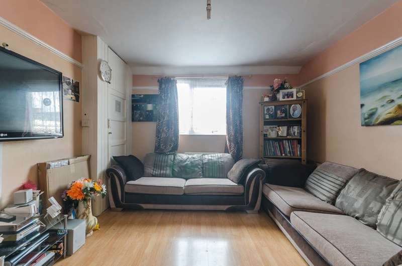 3 Bedrooms Flat for sale in Avondale Square, South Bermondsey, SE1