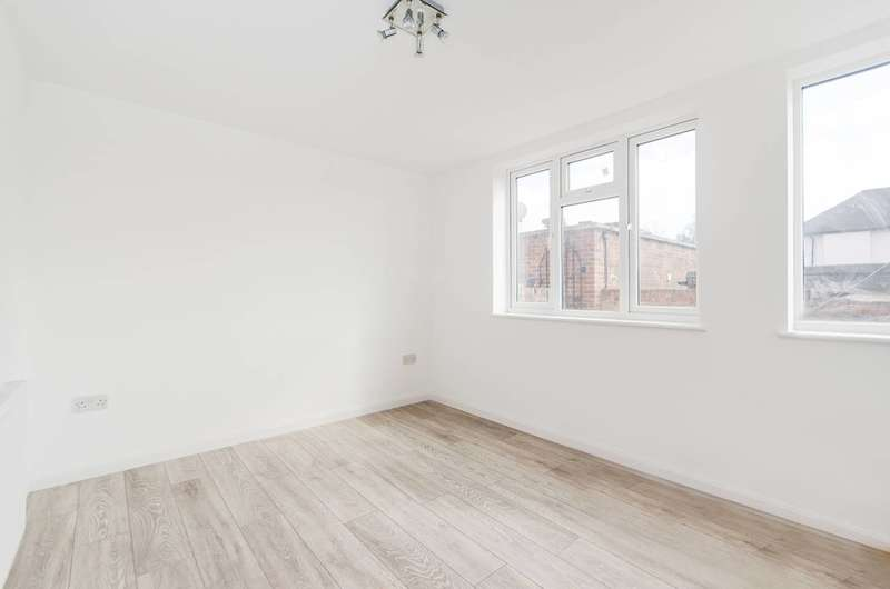 1 Bedroom Flat for sale in Uxbridge Road, Hatch End, HA5