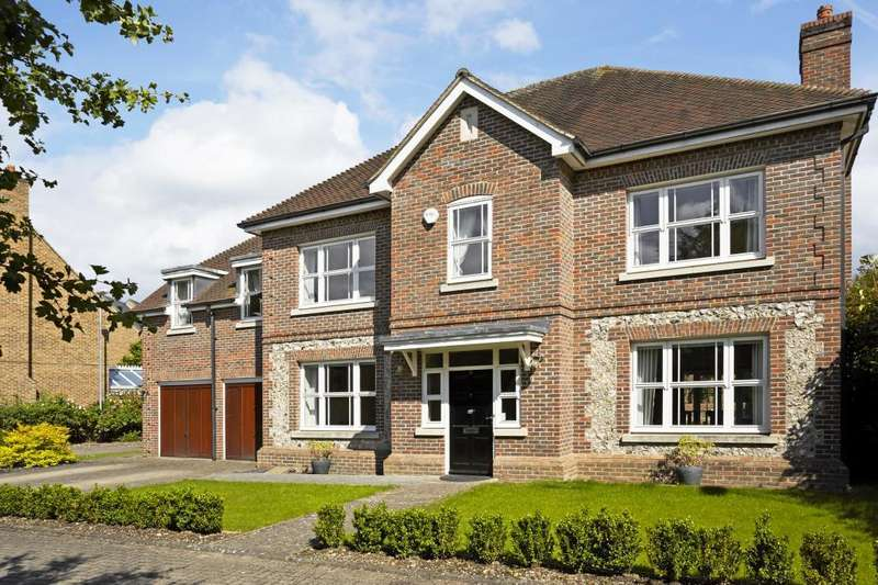 5 Bedrooms Detached House for sale in Highgrove Avenue, Ascot