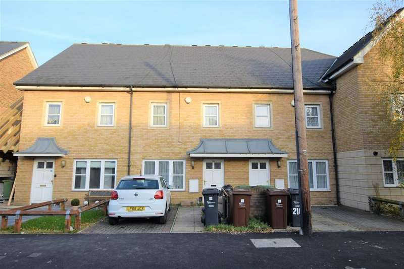 4 Bedrooms Terraced House for rent in Charlecote Road, Dagenham, RM8