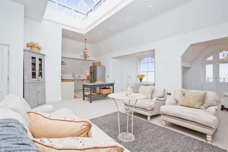 2 Bedrooms Apartment Flat for sale in Kings Gardens, Hove