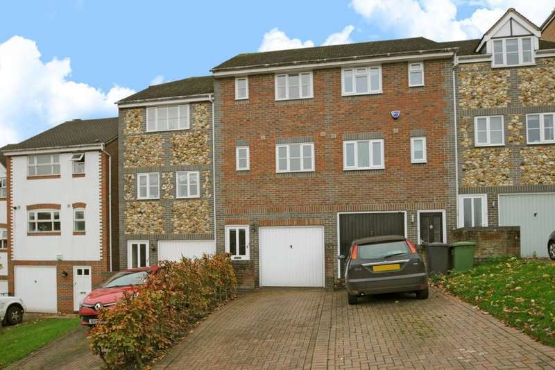 2 Bedrooms House for sale in High Wycombe, Buckinghamshire, HP13