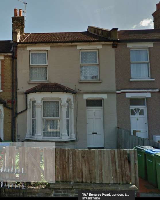 3 Bedrooms Terraced House for sale in 72 Basildon Road