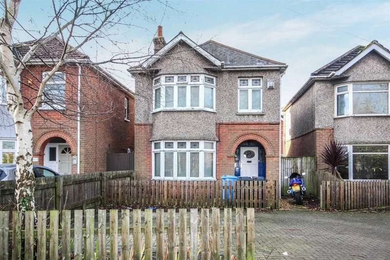 3 Bedrooms Detached House for sale in Tatnam Road, Poole, Dorset