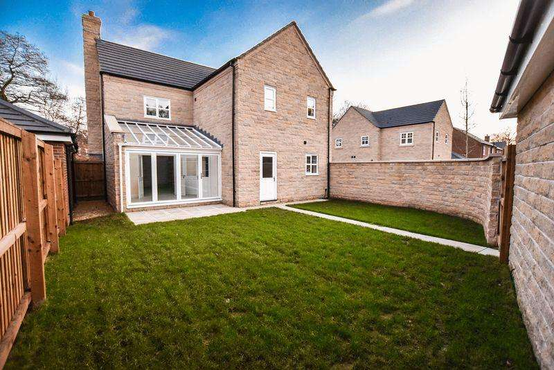 4 Bedrooms Detached House for sale in Plot 71 'The Winster', Davenshaw Drive, Congleton