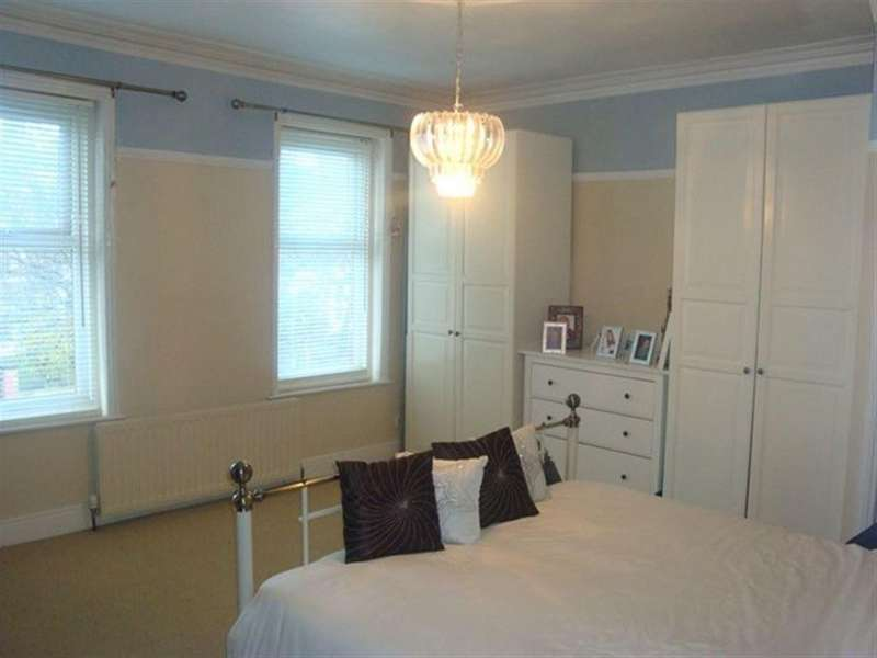 4 Bedrooms Terraced House for rent in Beach Road, South Shields