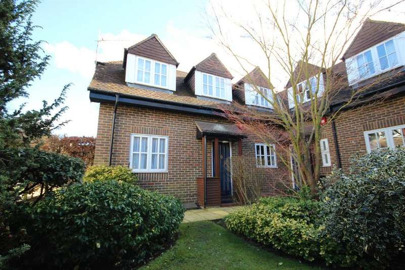 2 Bedrooms End Of Terrace House for sale in Hillier Road, Guildford