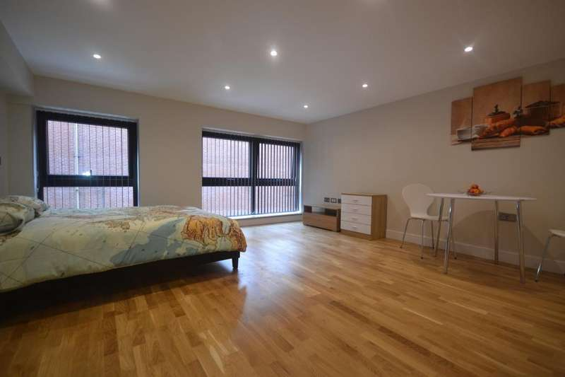 Studio Flat for sale in Market Place, Reading, RG1