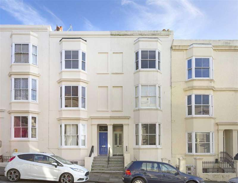 2 Bedrooms Flat for sale in York Road, Hove