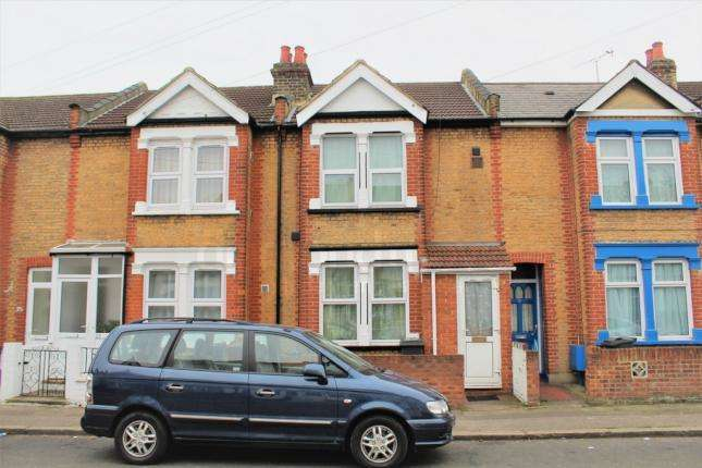 3 Bedrooms Terraced House for sale in Victoria Avenue , Hounslow TW3