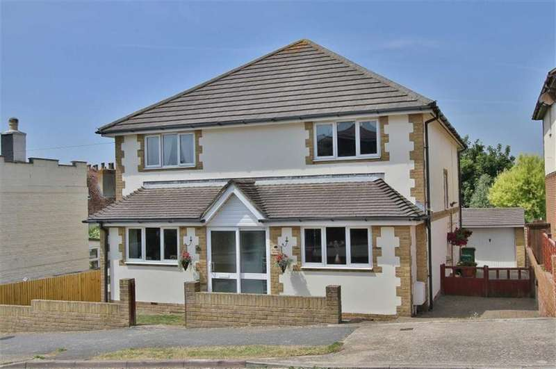 3 Bedrooms Detached House for sale in Station Road, Mount Pleasant, Newhaven
