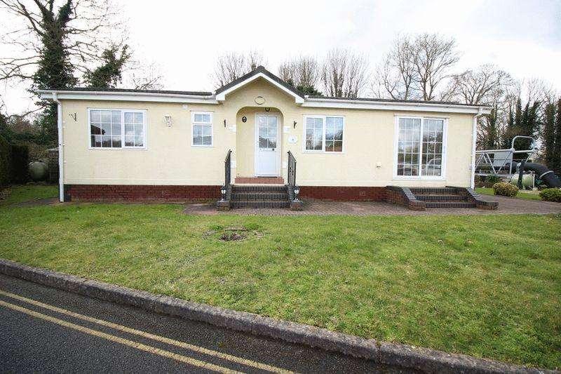 2 Bedrooms Detached Bungalow for sale in Oxley Moor Road, Wolverhampton