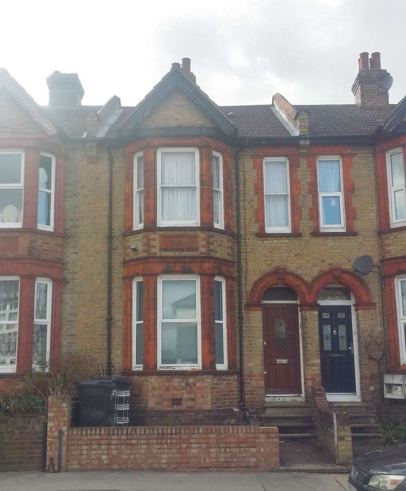 2 Bedrooms Ground Flat for sale in Preston Road, West Norwood, London, SE19 3HG