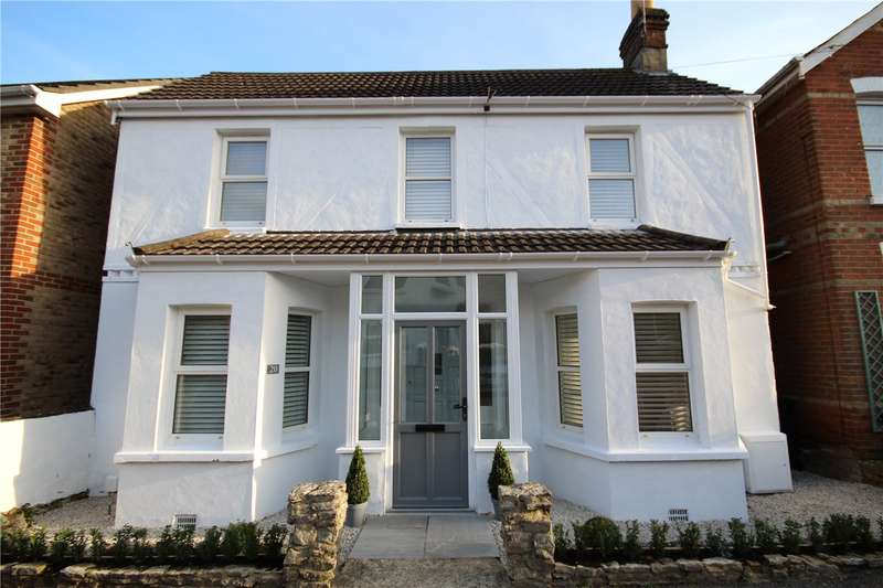 3 Bedrooms Detached House for sale in Lodge Close, Lower Parkstone, Poole, Dorset, BH14