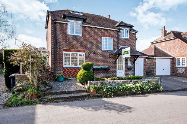 3 Bedrooms Detached House for sale in Prinsted, Nr Emsworth, Hampshire