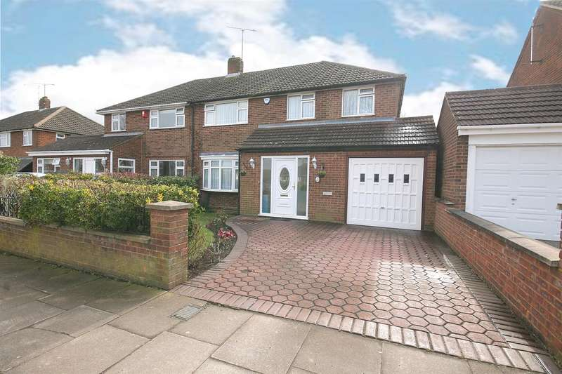 3 Bedrooms Semi Detached House for sale in Katherine Drive, Dunstable, Beds