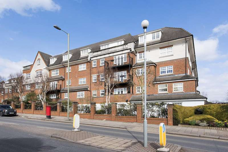 2 Bedrooms Flat for sale in Ambassador Court, NW4