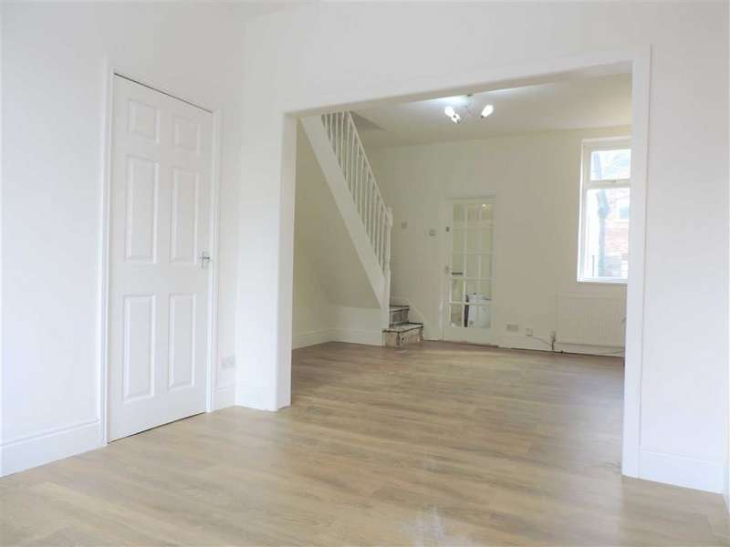 2 Bedrooms Terraced House for sale in Molyneux Road, Manchester