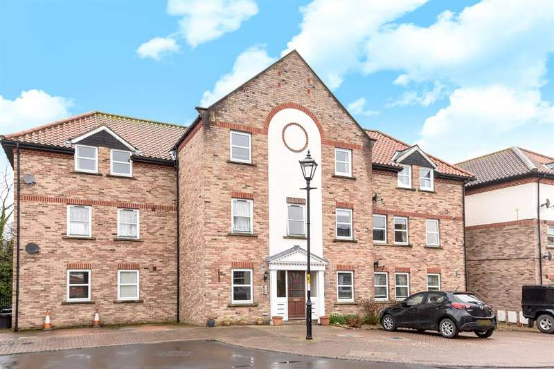 2 Bedrooms Flat for sale in Waterside, Ripon, HG4 1RA