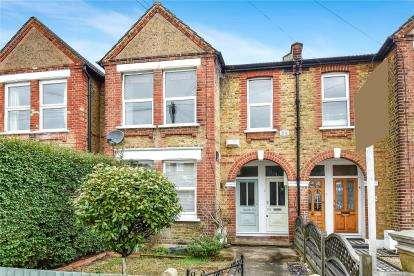 2 Bedrooms Flat for sale in Birkbeck Road, Beckenham
