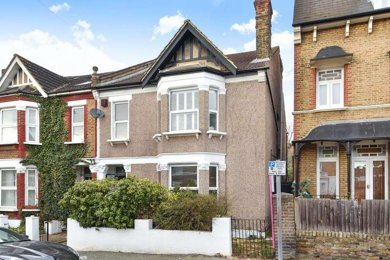 4 Bedrooms Semi Detached House for sale in Morley Road, Lewisham