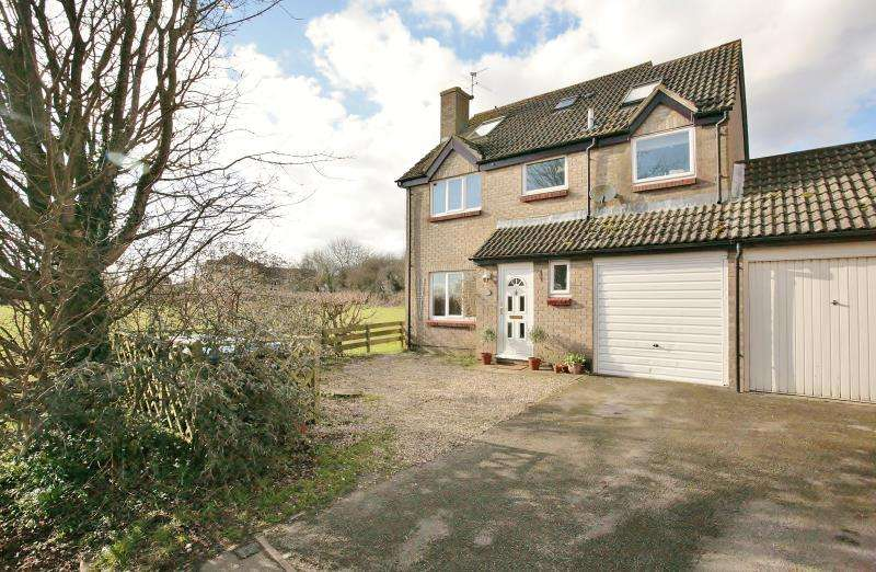 5 Bedrooms Detached House for sale in Burwell Meadow, Witney, Oxfordshire